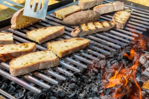 Optez pour une grille barbecue solide